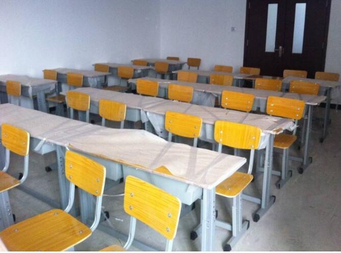 学生课桌椅贝博下载地址