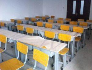 学生课桌椅回收